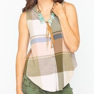 SHYANNE plaid button-up sleeveless top M blouse